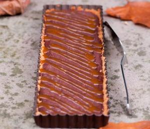 Tarte-au-chocolat-caramel-de-cidre-et-piment-d-Espelette